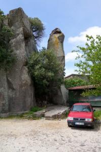 0421 Assos rocks