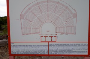 0437 amphi plaque