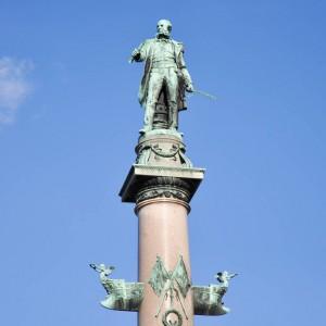 Admiral Tegetthof statue top lo